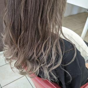 グラデーションカラーヘア